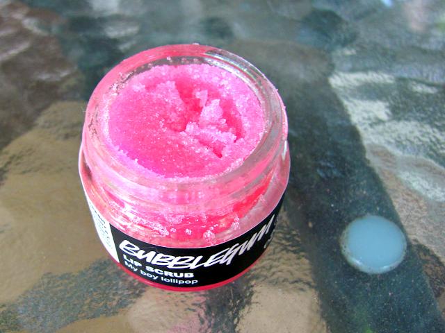 lush-cosmetics-bubblegum-lip-scrub