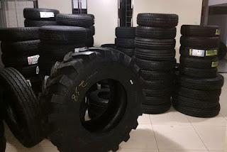 Carga de pneus é flagrada sendo descarregada em depósito clandestino de Patos com destino a prefeituras
