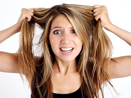como tirar o amarelado e alaranjado do cabelo