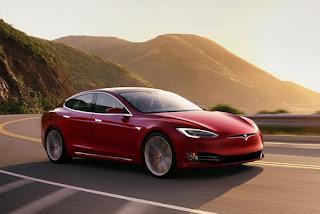 Tesla Model S P100D accellerazione da top di gamma