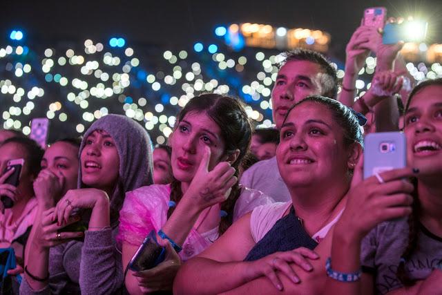 Ed Sheeran en un show sold out brindó un concierto plagado de hits bajo la lluvia