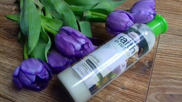 Odżywka faith in nature z olejem jojoba - lekka i bardzo dobrze nawilżająca odżywka