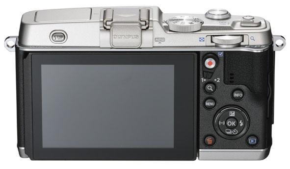 Il monitor e la ghiera dei comandi della Olympus PEN E-P5