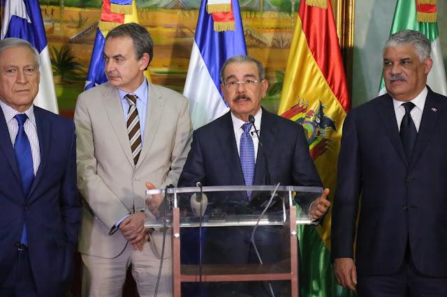 VIDEO: Ambiente positivo en diálogo mediado por Danilo Medina por la paz de Venezuela; continúa mañana