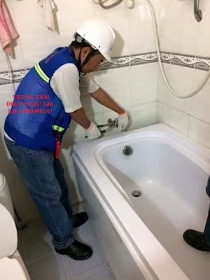 thợ khắc phục rò rỉ nước