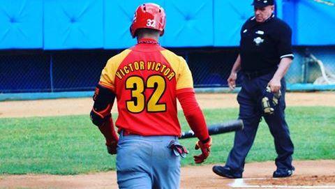 Martí sorprendió con la inclusión de Víctor Mesa como primer bate en lugar de Roel Santos, bateador zurdo habituado a abrir alineaciones, que promedió .367, sin ponches en 35 comparecencias contra lanzadores de su misma mano durante la temporada regular del campeonato cubano.