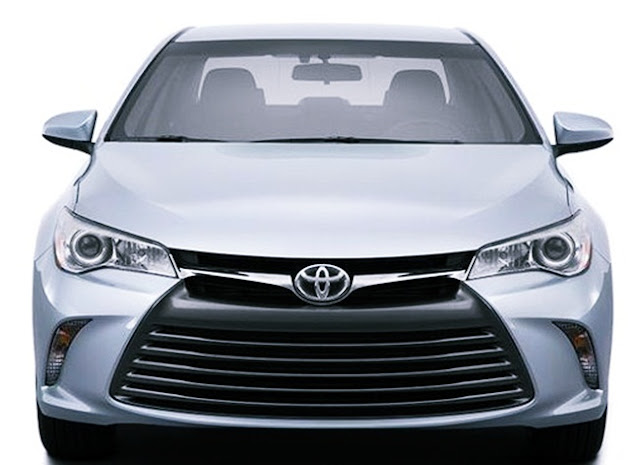 2017 Toyota Camry Hybrid LE Specs,Features and Price Canada