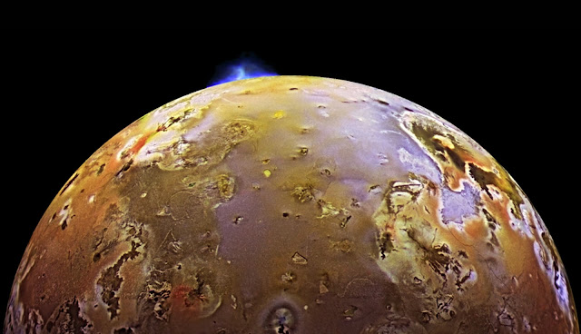 Juno mission captures images of volcanic plumes on Jupiter's moon Io