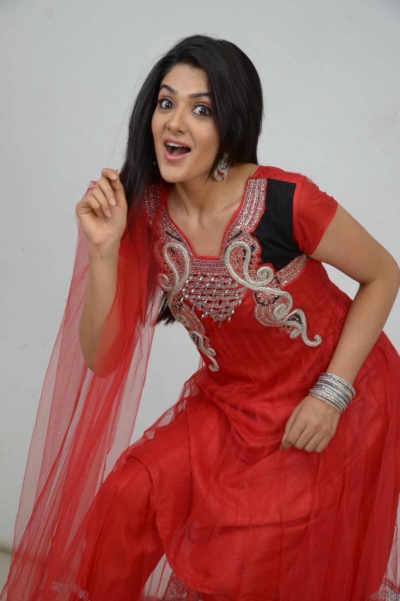 Actress Sakshi Chaudhary Long Hair In Red Dress