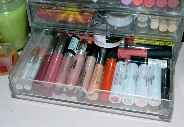 makeup storage blogger beauty lipstick lipgloss cheap acrylic box nail polish drawers muji clear cube wide flip top review swatch stila natural collection lipsticks