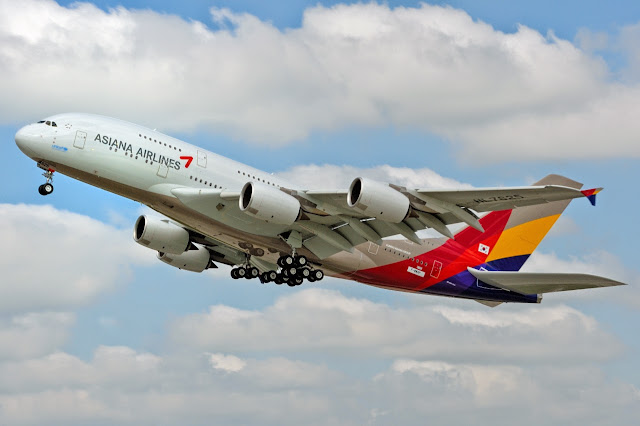 Asiana Airlines A380-800 Landing Gear Retracted