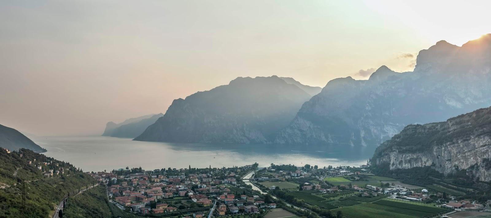 roadtrip bivouac italie lac de garde