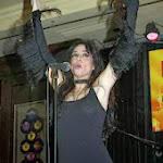 La Actriz Beatriz Rico Más Rockera y Desenfrenada - con Descuido Incluido Que Nunca En Lo Alto Del Escenario. Foto 6