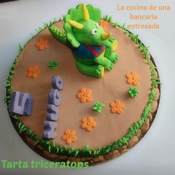 TARTA DINOSAURIOS TRICERATOPS