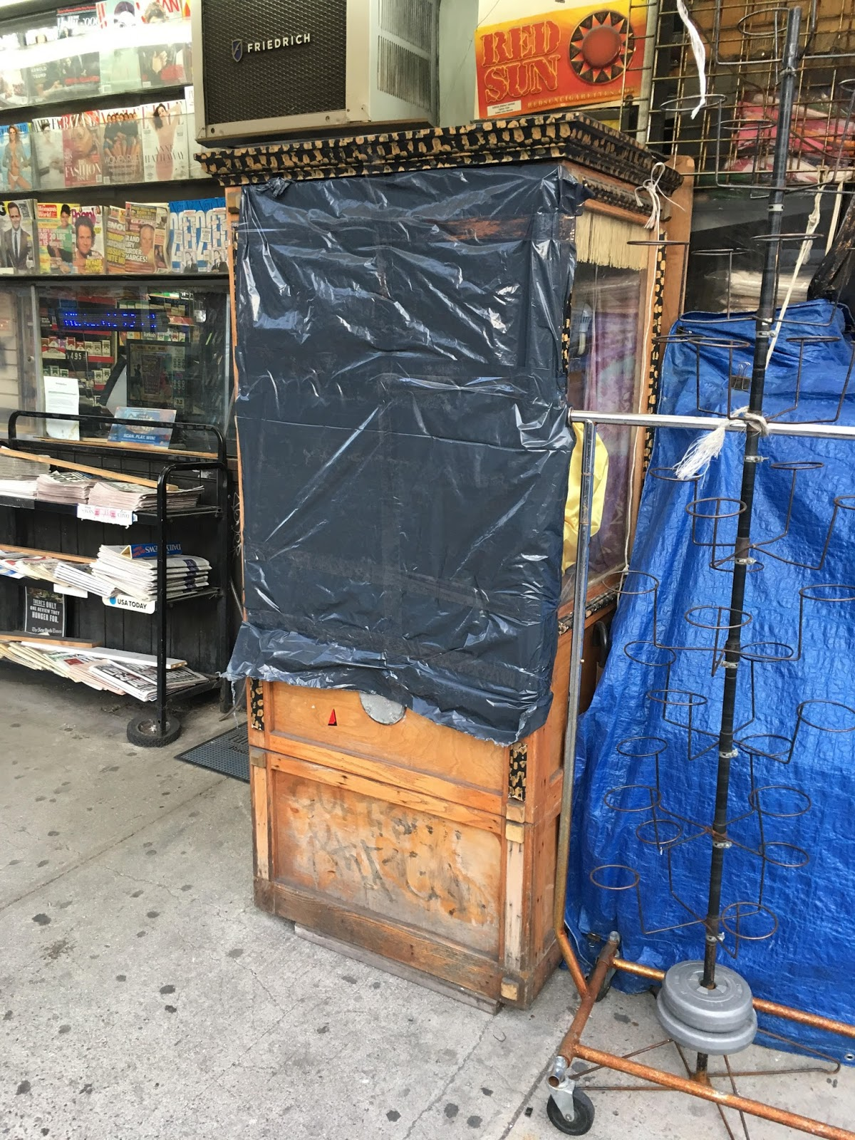 Ev grieve for the time being zoltar is unable to see the for 2nd avenue salon