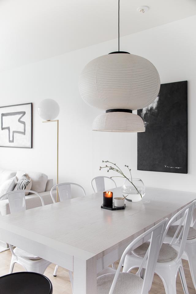 Villa H, flos ic f2, abstrakti taide, formakami valaisin, tolix, ruokailutila, skandinaavinen koti