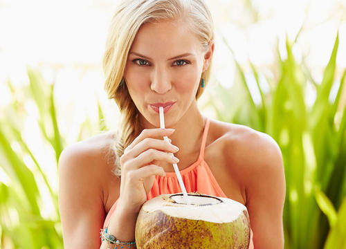 The Secret to Successfully Opening and Eating a Fresh Coconut