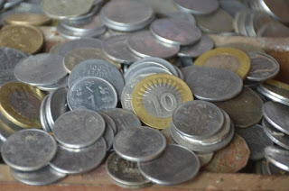 one-rupees-small-coin-refuse-in-transaction