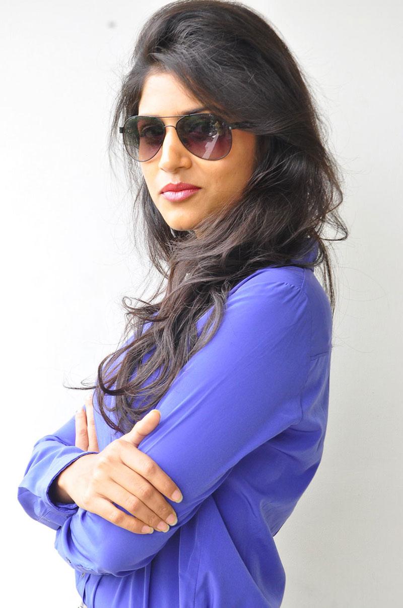 Swetha pandit stylish photos at theaterlo movie press meet
