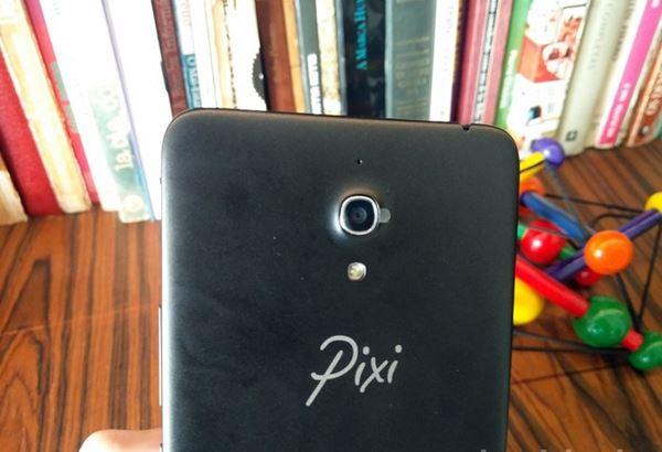 A família PIXI4 também também conta uma versão de tela grande, de 6 polegadas
