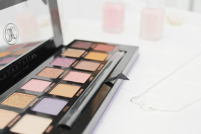 Anastasia Beverly Hills Norvina palette beauty blog giveaway