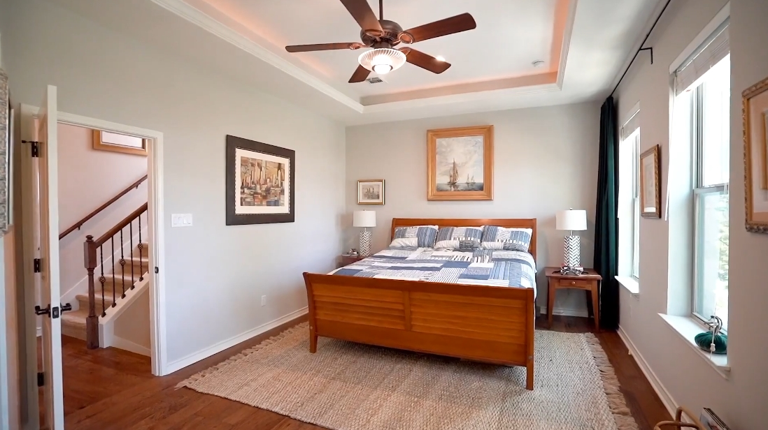22 Interior Design Photos vs. Tour 216 Adams St, Georgetown, TX