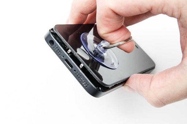 Thay linh kiện chính hãng cho iPhone 8
