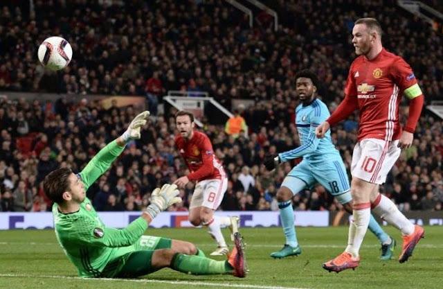 Wayne Rooney makes history as Man United beat Feyenoord