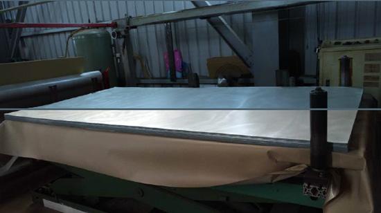 「彩鋼鑽板」全程MADE IN TAIWAN製造,不僅得過專利認證,更通過防火耐燃2級測試。