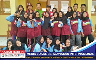 Para siswa peserta diklat PMR SMK Nurul Huda Sukabumi beserta para Pembina