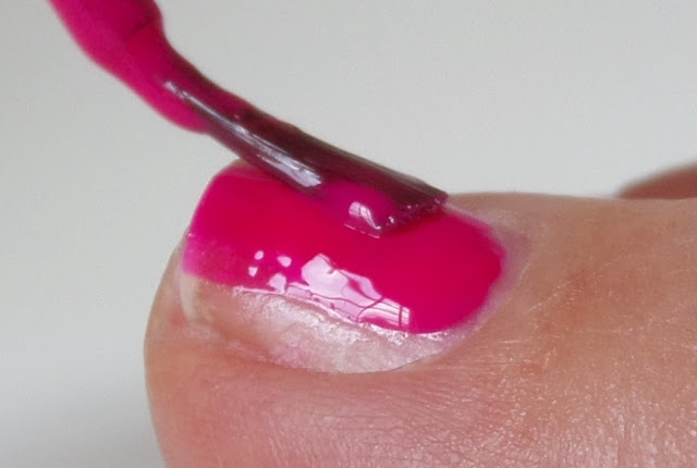 polishing toe nail