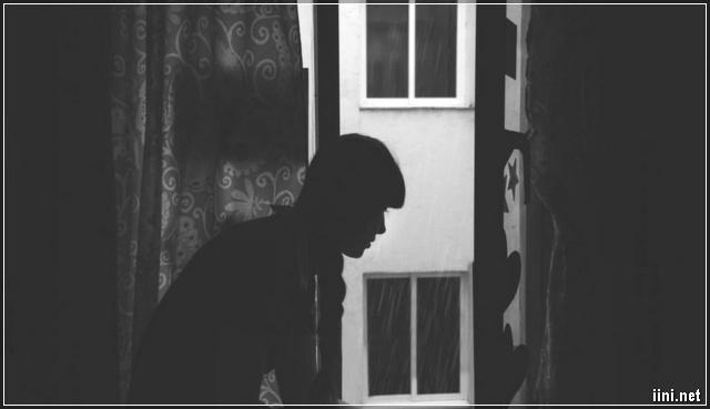 chàng trai khóc trong đêm