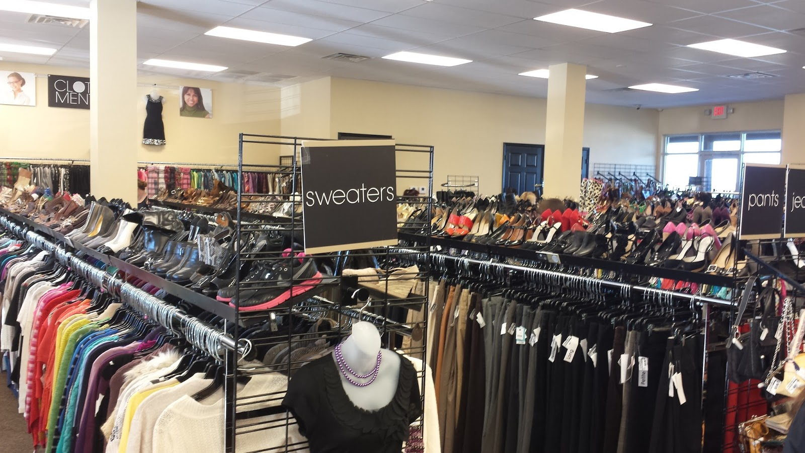 Mentor clothes store