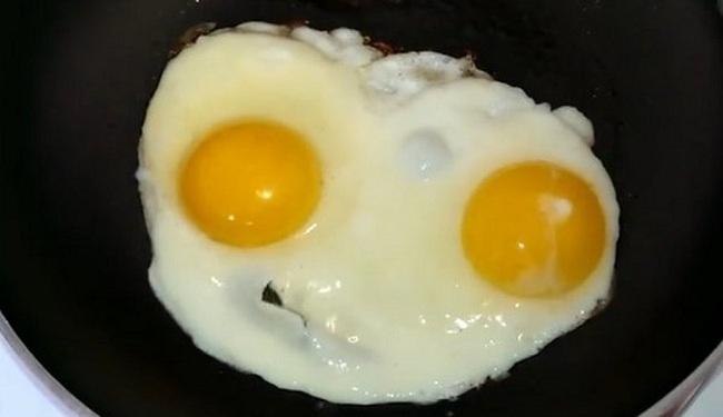 Μύκονος: Τι απαντά το κατάστημα που χρέωσε είκοσι ευρώ 2 τηγανητά αυγά