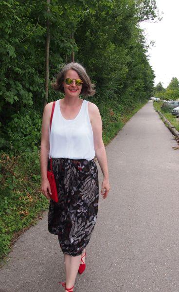 Bollonrock mit Lace-up-Ballerinas für große Frauen über 40