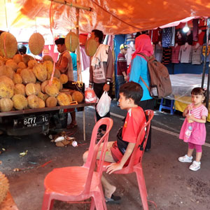 Selain durian, kerajinan UMKM Tanggulangin Sidoarjo juga ada di Pasar Rakyat Kuliner 2019