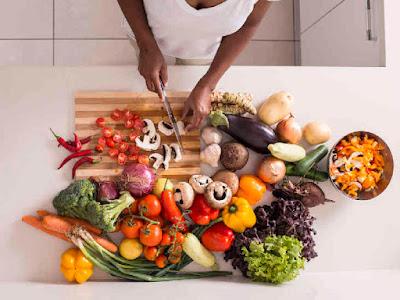 طرق لمحاولة تقليل تناول كميات من الطعام