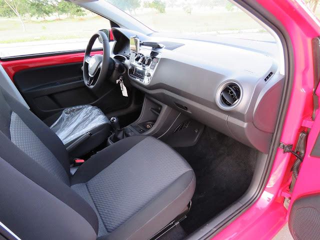 Novo VW Up! 2018 - interior - acabamento