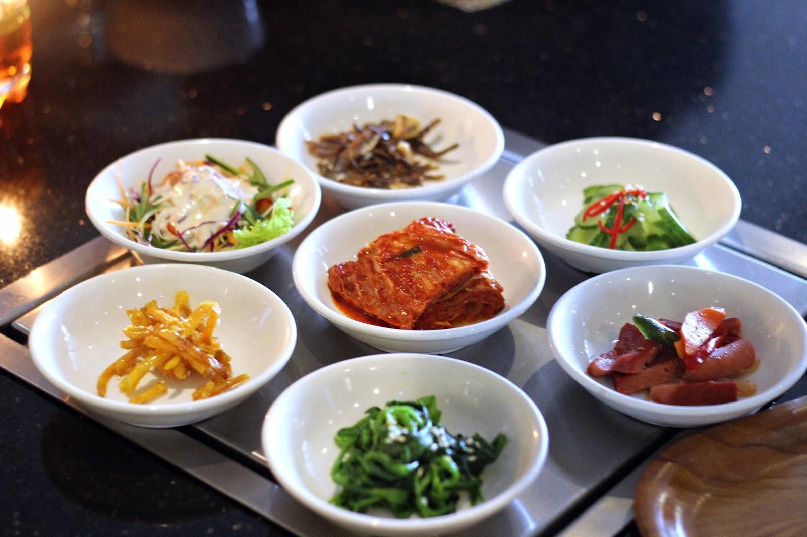 5 Rekomendasi Restoran dengan Dessert dan Makanan Unik di ...