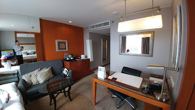 Living room in Dusit Thani Bangkok Club Room