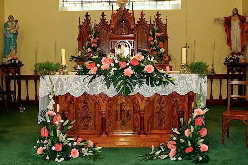 dekorasi gereja untuk pernikahan