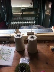 Knitting machine Work station