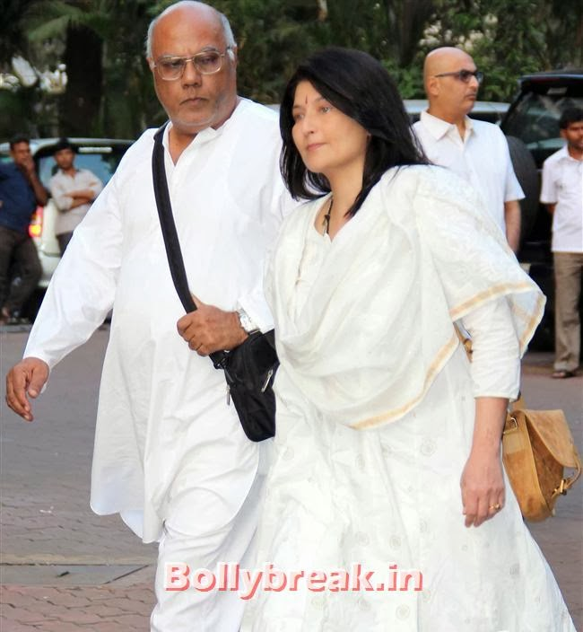 Sarika, Celebs at Farooq Sheikh Prayer Meet