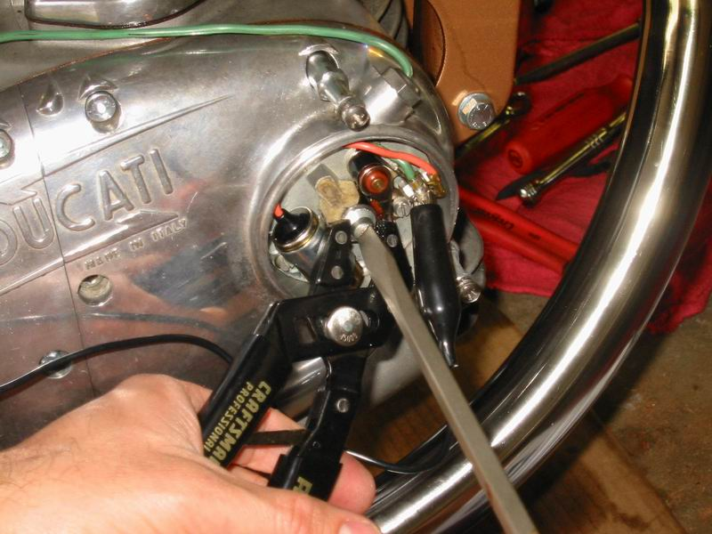 Vintage Veloce Setting the Ignition Timing advance on a Ducati