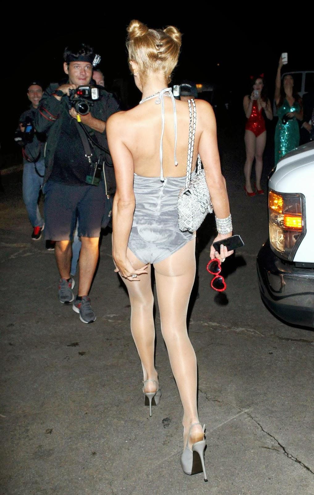 Paris Hilton Wearing Miley Cyrus Vma Twerking Teddy -2710