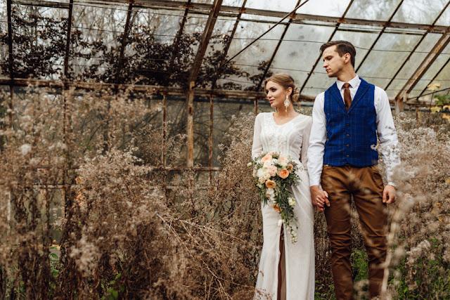 Bukiet ślubny boho w kolorze brzoskwiniowym