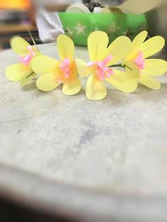 ดอกไม้จันทน์แฟนซีรูปแบบดอกชบา
