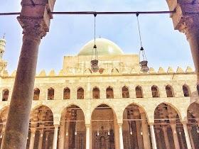 イスラム教のモスクとは?特徴・種類や見学マナーをご紹介!