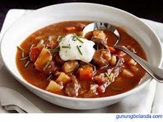 Apakah Goulash Makanan Khas Asal Hongaria