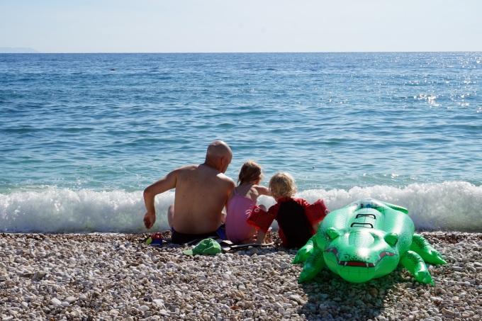 lasten kanssa albaniassa, Himaren uimaranta